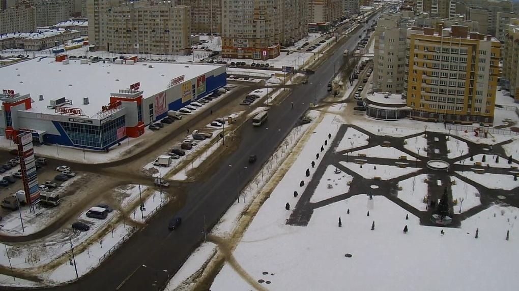 Улицу Мичуринскую, в районе Дворца единоборств, расширят ещё на две полосы