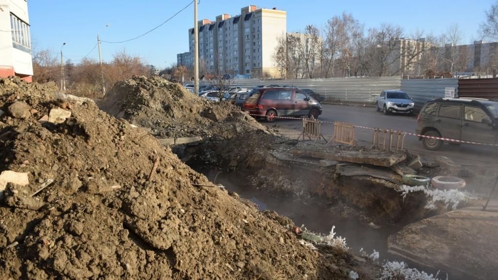 Ремонт теплосети на Астраханской обещают завершить на этой неделе
