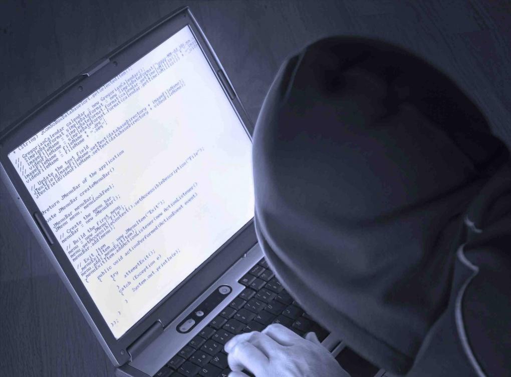 Хакеры из группы Anonymous взломали 70 сайтов полиции США