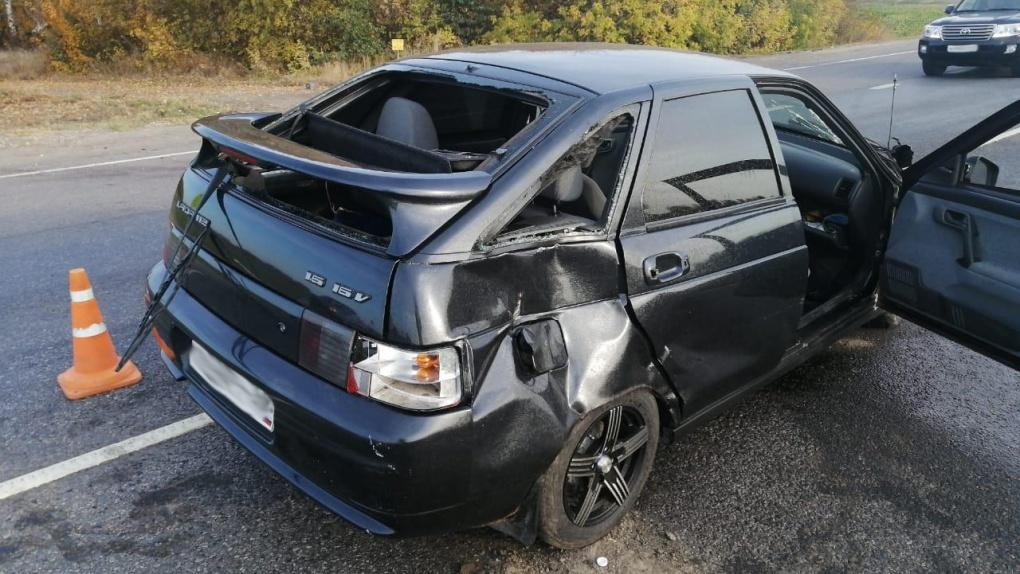 На въезде в Тамбов столкнулись два авто
