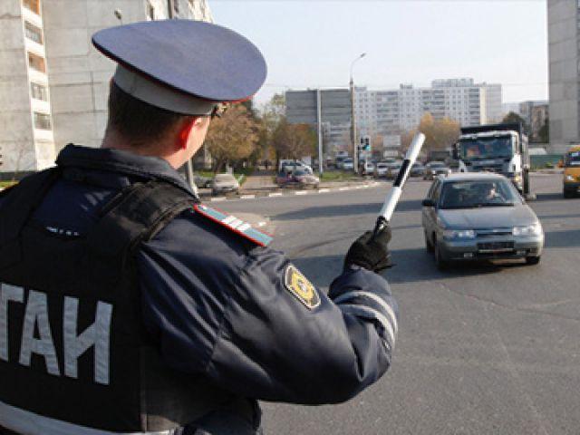 Тамбовские автоинспекторы в день смеха будут дарить вежливым водителям подарки