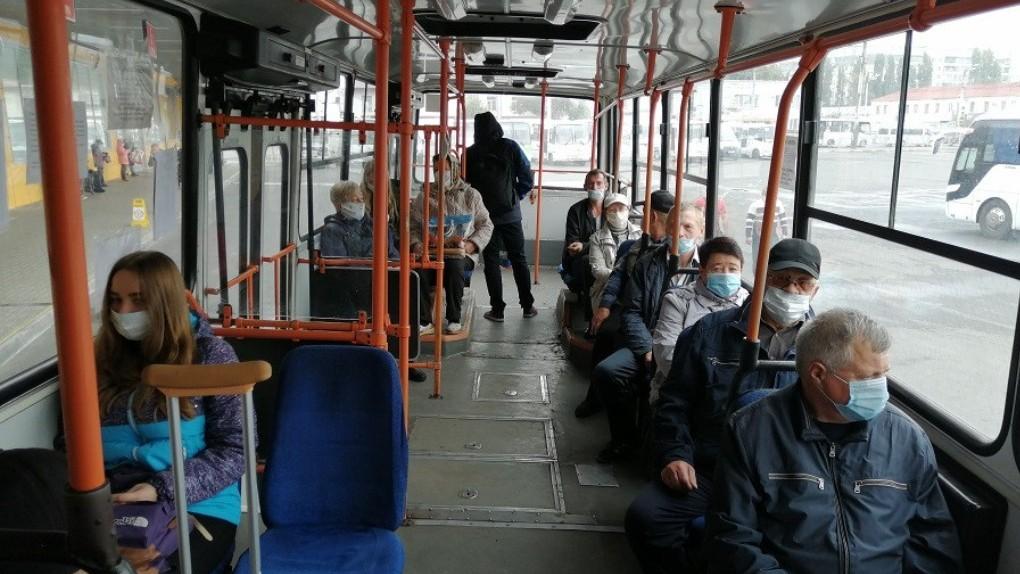 Пассажиров без маски не пустят ни в здание автовокзала «Северный», ни в рейсовый автобус