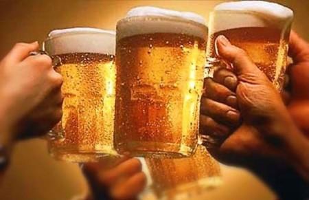 Власти по ошибке разрешили продавать пиво повсеместно