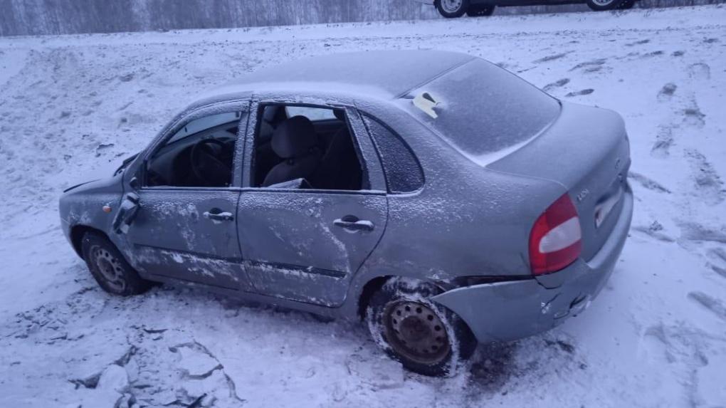 В Петровском районе машина улетела в кювет