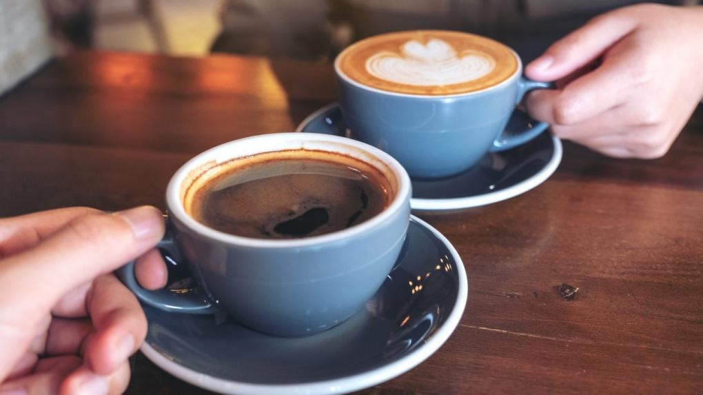 Кафе и ресторанам на вокзалах, автозаправках и в аэропорту разрешили работать круглосуточно