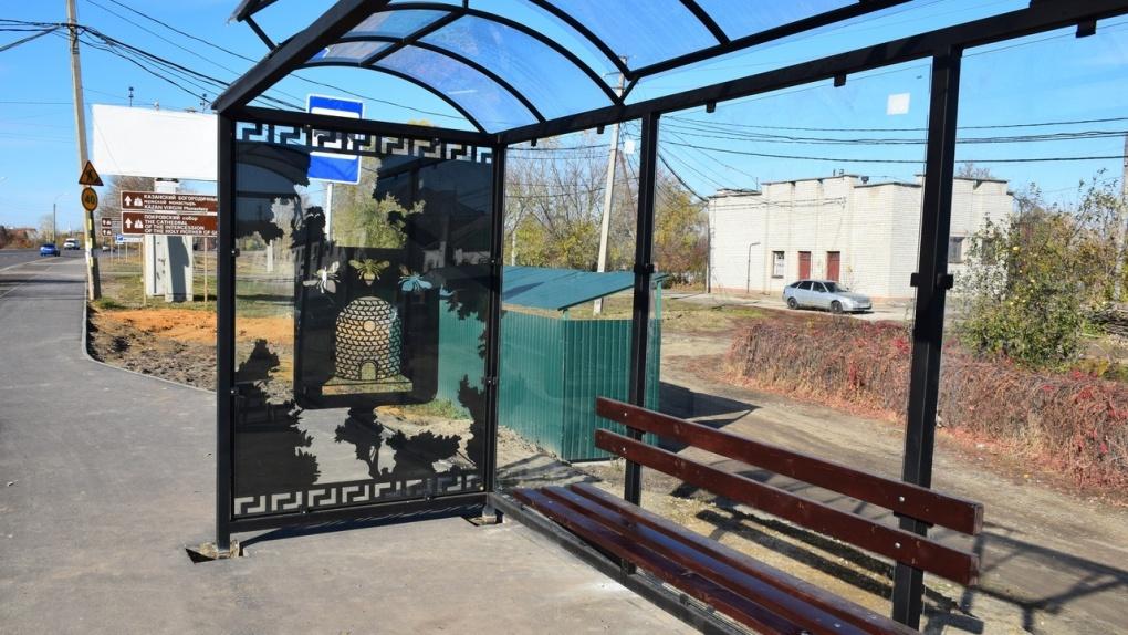На Рассказовском шоссе установили 14 новых автобусных остановок