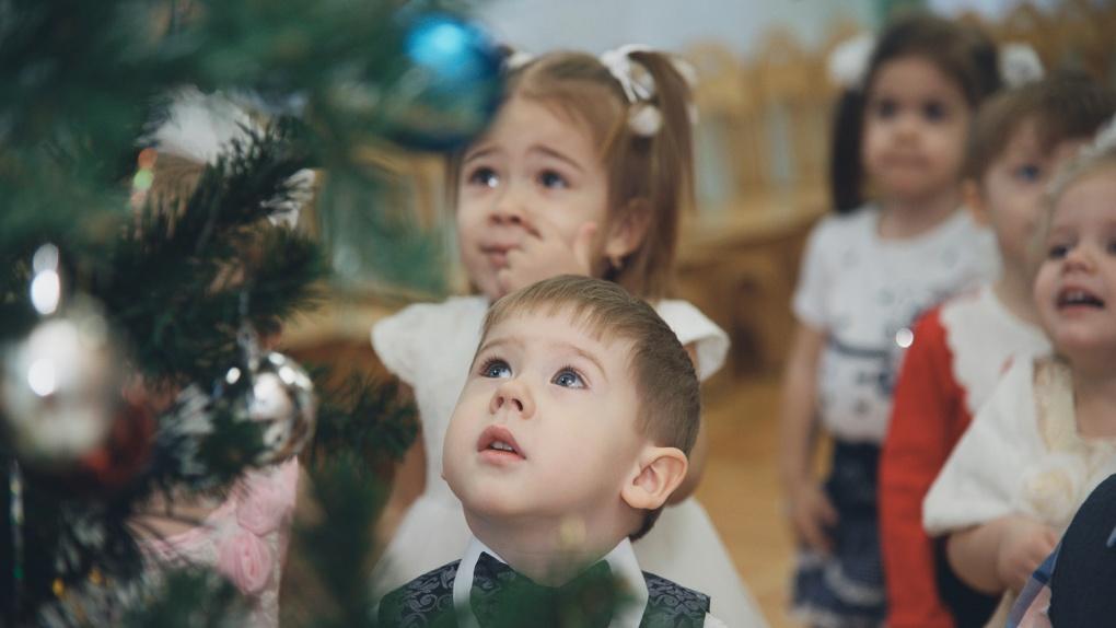 В Тамбовской области разрешили проводить новогодние утренники в детских садах