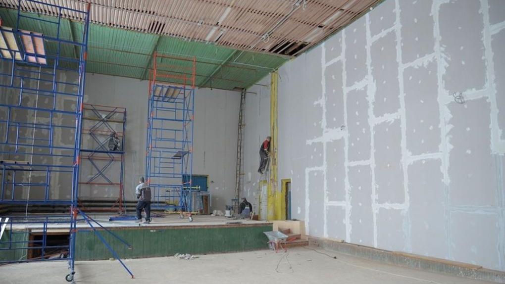 В поселке Зеленом Рассказовского района завершился первый этап капитального ремонта дома культуры