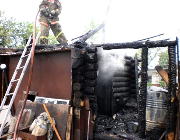 В Тамбовской области сгорела баня